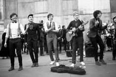 Louis, Zayn, Liam, Niall and Harry in the One Thing music video <3