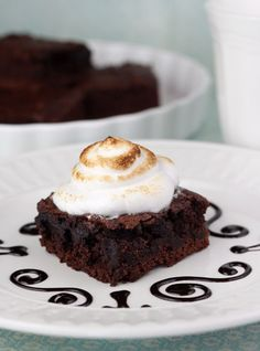 Includes Recipes for Whipped Creams, Toppings, and Sauces | Ten Ways to Make Fancy Brownies, Cakes, and Other Desserts