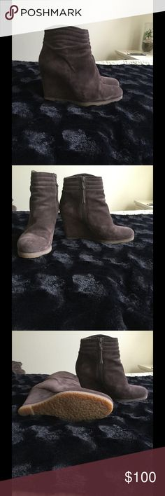 Stuart Weitzman brown suede booties Size 8 brown suede booties by Stuart Weitzman. Zipper closures and look fabulous with skinny jeans or pencil skirts. Comfortable with no skid bottom. Stuart Weitzman Shoes Ankle Boots & Booties