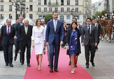Mayor of Paris Anne Hidalgo walks with Queen Letizia and King Felipe VI of Spain upon their arrival at the Paris City Hall on June 3 2015 King Felipe...