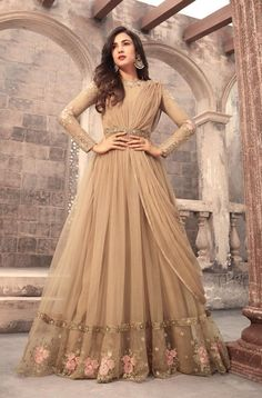 Looking to buy Anarkali online? ✓ Buy the latest designer Anarkali suits at Lashkaraa, with a variety of long Anarkali suits, party wear & Anarkali dresses! Trajes Anarkali, Anarkali Dress, Lehenga, Saree, Gown Dress, Bridal Anarkali Suits, Sabyasachi, Dress Set, Indian Designer Outfits