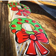 Gingerbread Christmas Decor, Christmas Decorations For The Home, Christmas Wood, All Things Christmas, Christmas Wreaths, Christmas Crafts, Christmas Parties, Christmas Ideas, Christmas Ornaments