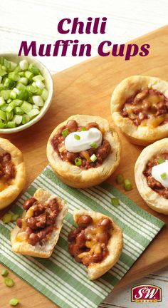 Spice up your chili with these mini Chili Muffin Cups! Kids Bean Recipes, Good Food, Yummy Food, Awesome Food, Muffin Tin Recipes, Tailgate Food, Muffin Cups, Food Dishes, Gourmet