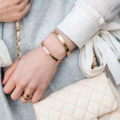 Buy your love pink gold bracelet CARTIER on Vestiaire Collective, the luxury consignment store online. Second-hand Love pink gold bracelet CARTIER Pink in Pink gold available. Cartier Love Bangle, Bracelet Cartier, Cartier Jewelry, Cartier Gold, Bracelets Design, Love Bracelets, Ankle Bracelets, Charm Bracelets, Silver Bracelets