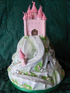 """The whole cake was glittered as I had been asked for """"as much twinkle as possible please! Pretty Cakes, Cute Cakes, Beautiful Cakes, Amazing Cakes, Crazy Cakes, Fancy Cakes, Fairy Castle Cake, Carousel Cake, Sugar Cake"""