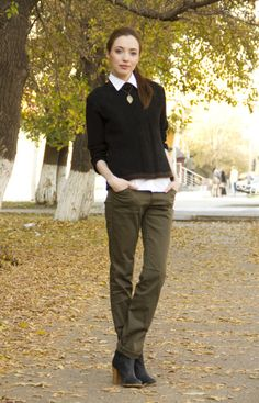 *Olive skinnies, white blouse, black cashmere sweater, silver leaf necklace and black ankle boots