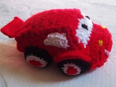 Mc Queen Relâmpago - amigurumi, em lã.    Versão brinquedo/ enfeite  Versão peso de porta (corpo mais pesado)