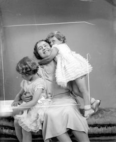The Duchess of York with Young Princesses Elizabeth and Margaret || Every Mother is a Queen of Hearts | Duchess-at-Large