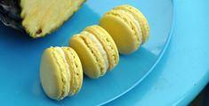 ENGLISH   NORSK Ananas spiser jeg gjerne hele året, men det er liksom noe ekstra stas med frukten på sommerstid. I fyllet til denne makronen har jeg enkelt og greit blandet pisket krem med fersk ananas. Friskt og fyldig på samme tid :) 1 porsjon makroner laget etter grunnoppskriften – 75 g eggehvite – 100 … Macaron Filling, Egg Whites, Base Foods, Whipped Cream, Macarons, Pineapple, Eat, Breakfast, Summer