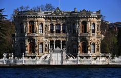 KUCUKSU KASRI (Summer Palace, old name was Göksu Kasrı) : The reigns of Sultan (1839-1861) period, especially in years when the preferred form of Western architecture, palaces and pavilions. Sultan reigns, Dolmabahce and Linden as well as in construction in the area of Kasr Küçüksu old and demolished the wooden structure, was built by Nigogos BALYAN, in its present Kasr. In 1857 for Abdulmecit Sultan, it completed construction Küçüksu Kasrı.Baroque-Style.