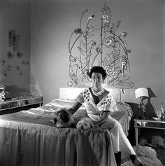 """Peggy Guggenheim with her Alexander Calder """"Bedhead"""" in her Palazzo Venier dei Leoni on the Grand Canal in Venice, Italy, 1950 Peggy Guggenheim, Art Disney, Show Me The Way, Alexander Calder, Venice Biennale, Images Google, Magnum Photos, Historical Photos, American Art"""