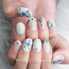 jewelry and colorful relief ㅤ Spring Nail Colors, Spring Nails, Get Nails, Hair And Nails, Flower Nail Art, Nail Arts, Manicure And Pedicure, Nails Inspiration, Beauty Nails