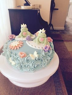 Frog cake rose vanilla buttercream