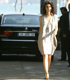 669a47f09 beren saat Secret Love, She Is Fierce, Lovely Dresses, Beautiful, White  Dress