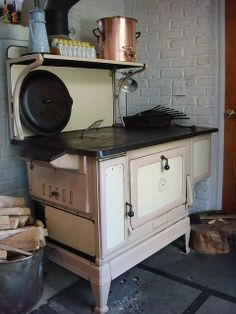 Would love to learn to cook on a wood stove.