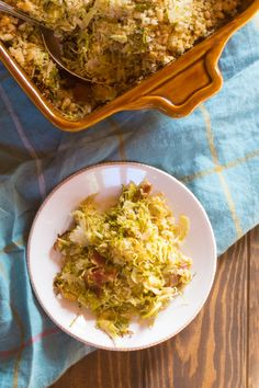 Brussels sprouts gratin with quinoa, bacon, and dried cranberries, topped with maple-butter breadcrumbs and pine nuts. Vegetarian Thanksgiving, Vegetarian Main Dishes, Vegetarian Appetizers, Vegetarian Recipes, Healthy Recipes, Drink Recipes, Thanksgiving Ideas, Free Recipes, Best Side Dishes