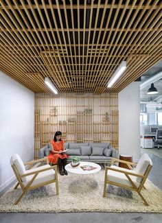 Industrial Office Sunset Magazine: New Industrial Office Design with Western Cultural Interests Industrial Office Design, Modern Office Design, Workplace Design, Industrial House, Office Designs, Corporate Interior Design, Corporate Interiors, Shop Interior Design, Office Interiors