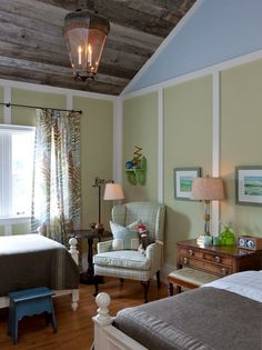Sarah Richardson Farmhouse Bedroom.  Sarah Richardson and Tommy Smythe used barn board on the ceiling in this bedroom they designed for her farmhouse on the television series Sarah's House.