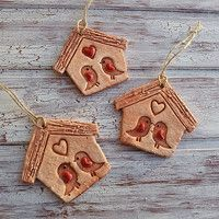 Zahradní doplňky / Keramika | Fler.cz Clay Houses, Bird Houses, Clay Projects, Projects To Try, Air Dry Clay, Clay Art, Polymer Clay, Crafts For Kids, Christmas Ornaments