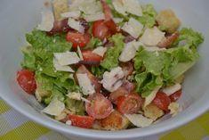 Caesar salad (with real Caesar sauce recipe) lifestyle cuisine Sauce Recipes, Diet Recipes, Healthy Recipes, Healthy Food, Ceasar Salat, Caesar Sauce, Chicken Lunch Recipes, Couscous, Cobb Salad