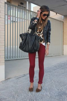 Awesome fall outfit. Black leather jacket- Zara, Leapord print cardigan underneath, H, white t-shirt under the cardagin, dark red/burgundy jeans/jeggings from Bershka, brown moccasins from Zara, black oversized bag
