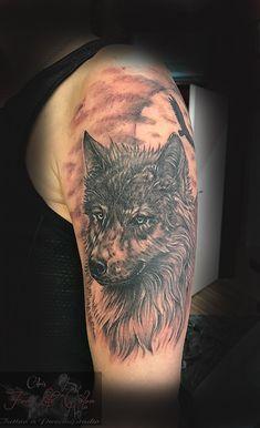 #forlifecolor #christattoo #worldfamousink #tattoorosenheim #raublingtattoo #tatts #tattoo #tattooedmen #germantattooers #tattoos #tattooink #tattoosofinstagram #inked #inkedlife #blackandgreytattoo #wolftattoo