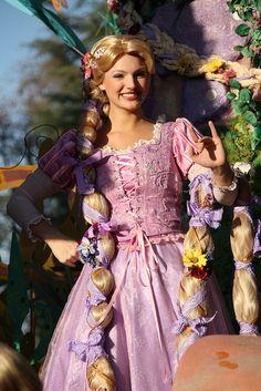 Rapunzel Cosplay, Rapunzel Dress, Disney Cosplay, Disney Costumes, All Disney Princesses, Disney Princess Rapunzel, Disney Tangled, Disney Day, Disney Magic