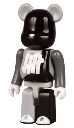 Undefeated Bearbrick 100%