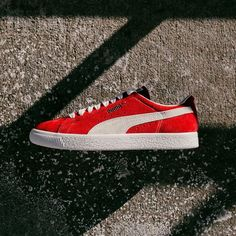ad6e1aaf5a5 Originating from the PUMA Archive back in 1971 its singular but yet clean  and simple design