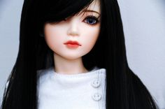 Amazing Japanese BJD doll (ball-jointed) Black hair