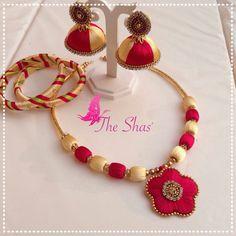 Silk Thread Jumkas, Silk Thread Necklace, Beaded Necklace Patterns, Silk Thread Bangles, Thread Bracelets, Thread Jewellery, Thread Art, Jewelry Patterns, Jewelry Model