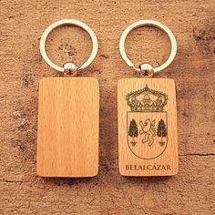 Llavero de madera con escudo de Belalcázar marcado en láser  #ValleDeLosPedroches http://delospedroches.es/es/de-madera/28-llavero-escudo-belalcazar-ll03.html