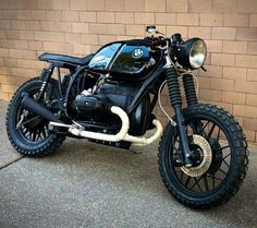bike-exif: BMW build is looking pretty slick. Vintage Bikes, Vintage Motorcycles, Custom Motorcycles, Custom Bikes, Cg 125 Cafe Racer, Cafe Racer Bikes, Cafe Racer Motorcycle, Bmw R100 Scrambler, Motos Bmw