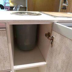Resultado de imagem para lixeira cozinha embutir