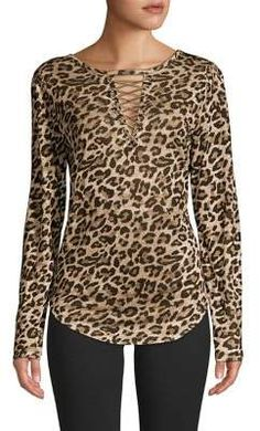 Leopard Print Outfits, Leopard Fashion, Animal Print Fashion, Leopard Print Top, Animal Print Tops, Blouse Styles, Blouse Designs, Suit Fashion, Fashion Outfits