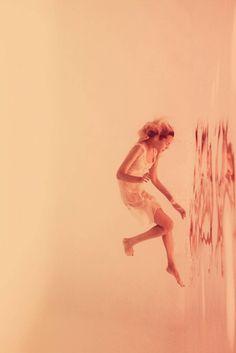 Dreamy Underwater Nudes by Adeline Mai – Fubiz Media