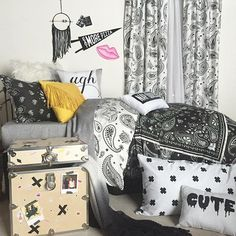 Making 90's chick a lifestyle | dormify.com