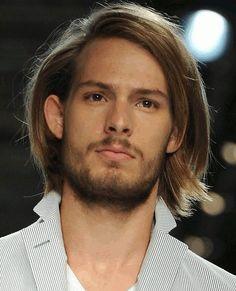 The long model locks for men hairstyle. - http://www.mens-hairstylists.com/long-hairstyles-for-men/