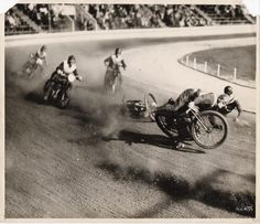 Fast is fast...: Early dirt track racing from the Miny Waln collection.