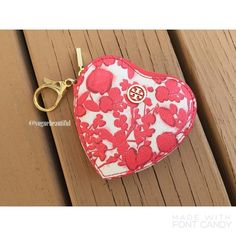 """Tory Burch Kerrington Heart Zip Key Fob Super cute Tory Burch Kerrington Heart Zip Key fob • NWOT never used, no flaws • Sold out online! • Dimensions; 4""""L x 1""""W x 4""""H •  Tory Burch's printed, heart-shaped coin case makes for the sweetest finishing touch to your favorite carryall. • NO TRADES • Tory Burch Accessories Key & Card Holders"""