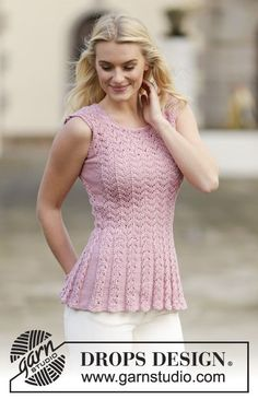 "Knitted DROPS top with lace pattern in ""Muskat"". Size: S - XXXL. ~ DROPS Design"