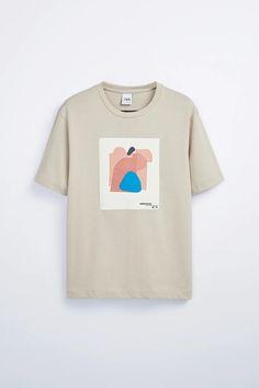 Mens Printed T Shirts, Graphic Shirts, Zara, Logo Marvel, T Shirt Mickey, T-shirt Broderie, Tee Shirt Designs, Basic Outfits, Boy Outfits