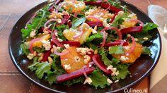 Boerenkool salade met bloedsinaasappel, rauwe bietjes, feta en rode ui