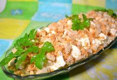 Salate sind immer gut für den Geburtstagstisch oder für anderen Anlass in Ihrer Familie. Salat mit Käse und Pilzen ist sehr lecker. Hier ist das Rezept...