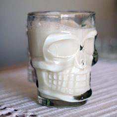 (934) Fancy - Skull Stein Glass