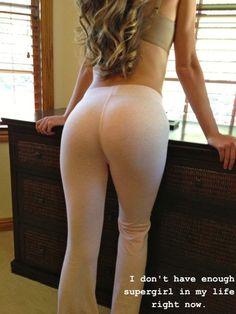 Image from https://thechive.files.wordpress.com/2013/01/girls-wearing-yoga-pants-16.jpg.