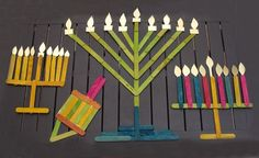 Chanukah Popsiscle Stick Menorah {Creative Jewish Mom} #hanukkah #craft
