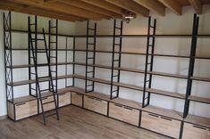 Fabrication sur mesure de meubles en métal et bois de style industriel. Livraison en France et en Europe.