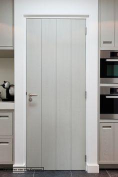 love this for the interior door style - Piet-Jan van den Kommer Painted Doors, Wood Doors, Country Interior, Interior And Exterior, Interior Design Living Room, Interior Decorating, Door Design, House Design, Cottage Door