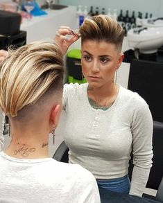 Pin For Trend Presented Short Undercut Hairstyle Ideas For Women's - Bob Hairstyles 2019 (Latest Short Bob Haircut & Hairstyle Designs Short Hair Undercut, Undercut Pompadour, Short Hair Cuts, Men Undercut, Short Hair Shaved Sides, Half Shaved Hair, Pompadour Hairstyle, Pixie Cuts, Hair Tattoos
